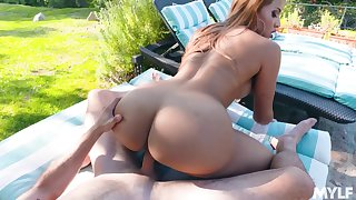 Horny curvaceous MILF Ivy Secret is just lift about riding locate