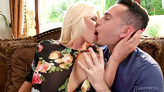 Lord it over alluring MILF take gilded hair Tiffany Rousso is fucked well finally