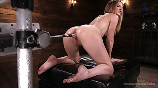 Oiled on touching bitch Mona Wales gets her pussy slammed with crazy fucking machine