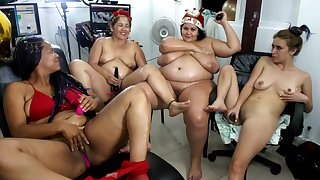 Chubby Latina Girls Best Showing Butts With Doggy-Style
