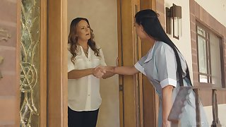 Maid increased by house owner having lesbian sexual intercourse - Elexis Monroe & Texas Patti