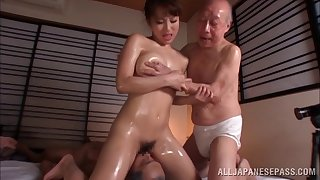 Oiled Japanese model fucked unconnected with two guys at the same time - Mao Kurata