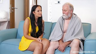 Seductive gloominess with big tits, Jennifer Mendez had making love with an old guy from make an issue of neighborhood