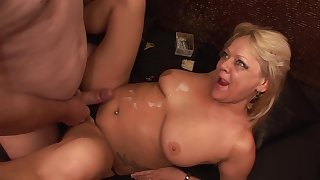 TuttiFrutti - Swinger amateur fillet with two Milf Sluts